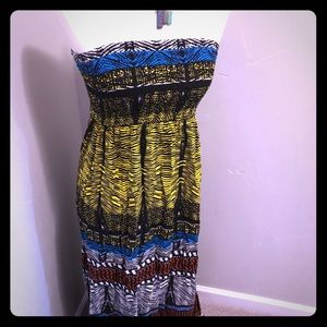 Dresses & Skirts - Wild pattern summer Maxi dress with side slits